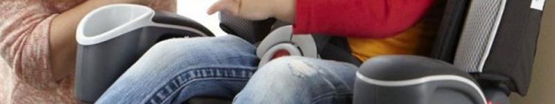 Importancia del uso de sillas apropiadas para los niños al viajar en un automóvil